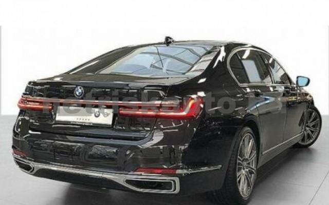 BMW 740 személygépkocsi - 2998cm3 Benzin 109979 2/12
