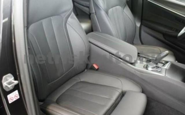 530 személygépkocsi - 2993cm3 Diesel 105138 11/12