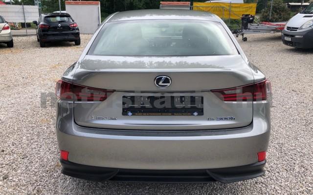 LEXUS IS IS 300h Comfort&Navigation Aut. személygépkocsi - 2494cm3 Hybrid 89139 11/12