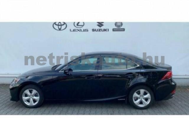 IS 300 személygépkocsi - 2494cm3 Hybrid 105610 2/12