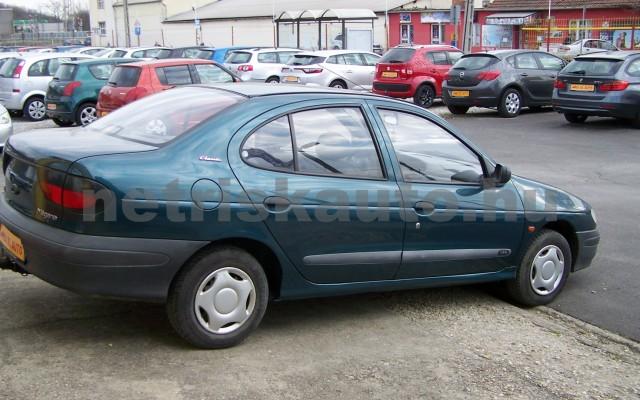 RENAULT Mégane 1.4 RN személygépkocsi - 1390cm3 Benzin 44623 4/10