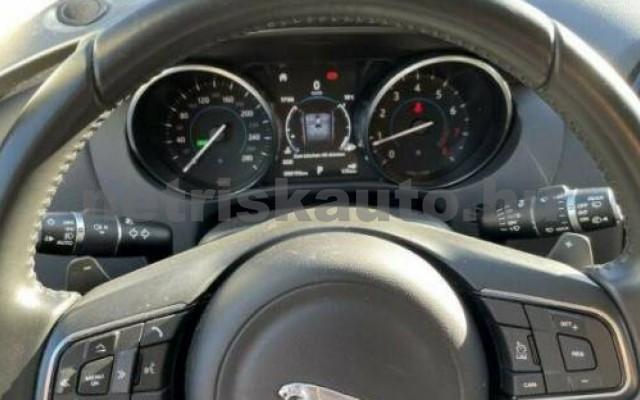 F-Pace személygépkocsi - 1997cm3 Benzin 105494 10/10