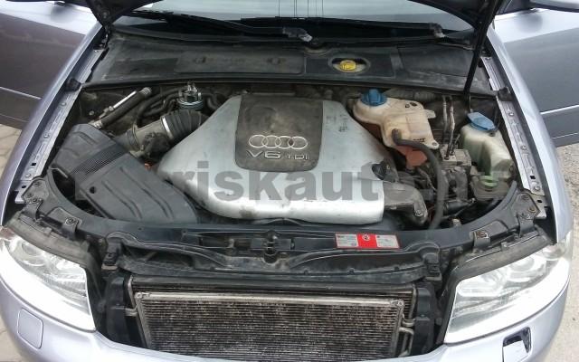 AUDI A4 2.5 V6 TDI személygépkocsi - 2496cm3 Diesel 44672 12/12