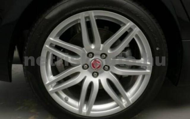 XJ személygépkocsi - 2993cm3 Diesel 105458 11/12