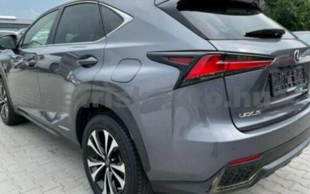 NX 300 személygépkocsi - 2494cm3 Hybrid 105658 5/12