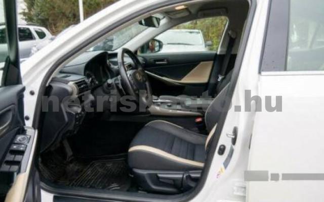 IS 300 személygépkocsi - 2494cm3 Hybrid 105609 6/7