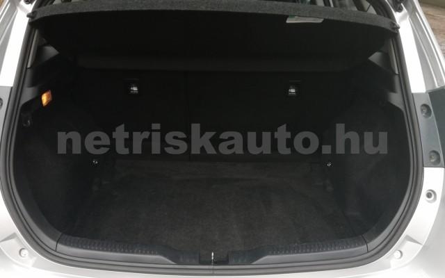 TOYOTA Auris 1.4 D-4D Live Plus személygépkocsi - 1364cm3 Diesel 89215 7/11