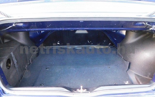 VW Golf 1.6 Highline személygépkocsi - 1595cm3 Benzin 101310 10/12