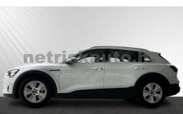 AUDI e-tron személygépkocsi - cm3 Kizárólag elektromos 104962 2/10