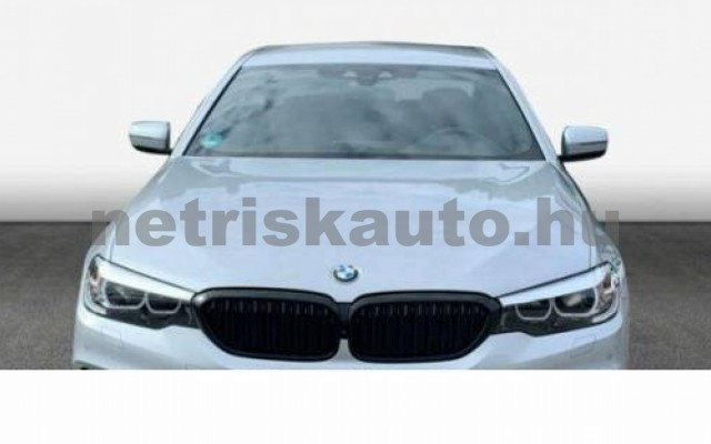 540 személygépkocsi - 2998cm3 Benzin 105125 2/12