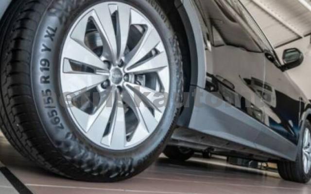 AUDI Q8 személygépkocsi - 2967cm3 Diesel 109451 11/11
