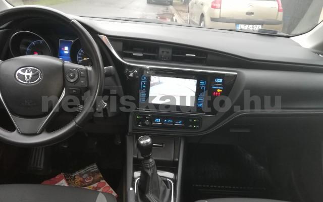 TOYOTA Auris 1.4 D-4D Live Plus személygépkocsi - 1364cm3 Diesel 89215 8/11