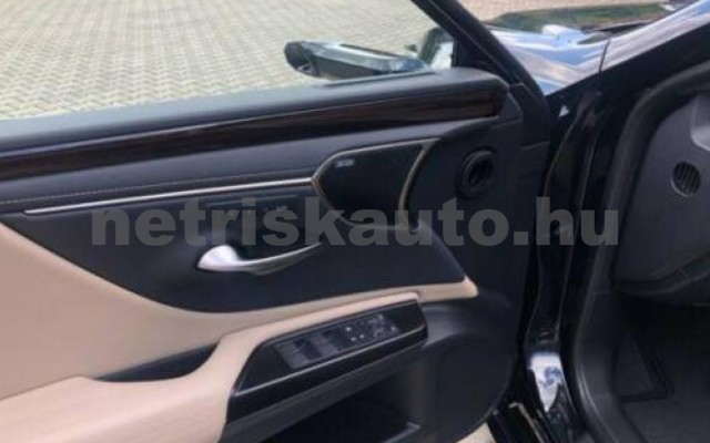 ES 300 személygépkocsi - 2487cm3 Hybrid 105615 11/12