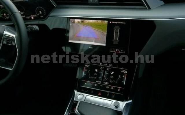 AUDI e-tron személygépkocsi - 2000cm3 Kizárólag elektromos 42577 6/7