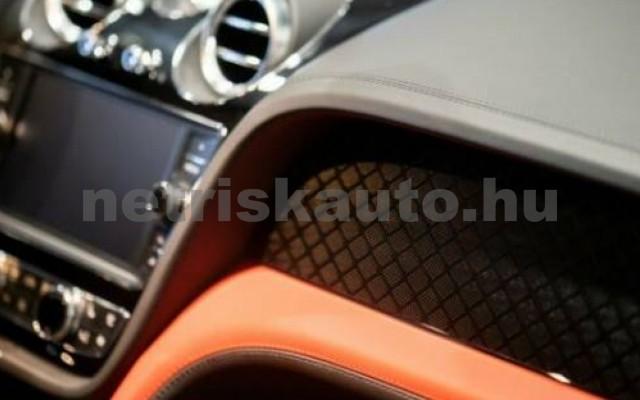 Bentayga személygépkocsi - 3996cm3 Benzin 105012 7/11
