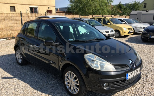 RENAULT Clio 1.5 dCi Monaco személygépkocsi - 1461cm3 Diesel 44696 2/12