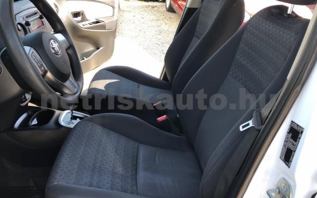 TOYOTA Yaris 1.5 HSD Active e-CVT személygépkocsi - 1497cm3 Hybrid 81435 11/12