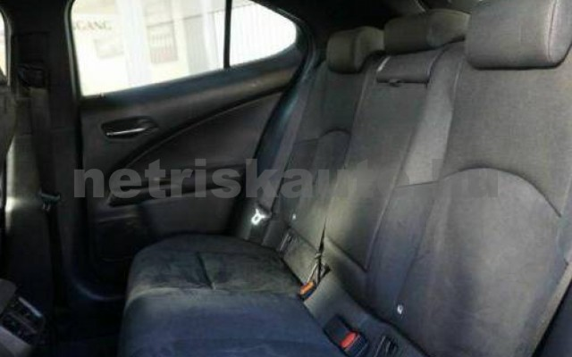 UX személygépkocsi - 1987cm3 Benzin 105639 9/12