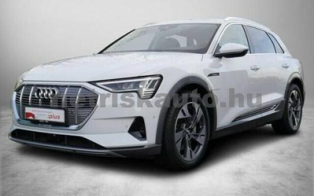 AUDI e-tron személygépkocsi - 2000cm3 Kizárólag elektromos 42577 2/7