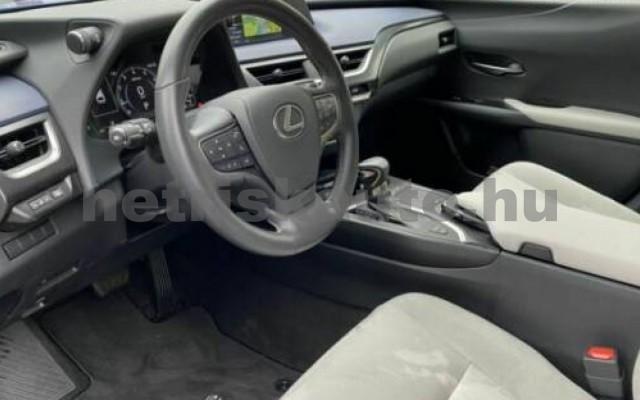 UX személygépkocsi - 1987cm3 Benzin 105644 4/11