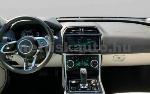 XE személygépkocsi - 1999cm3 Diesel 105454 2/9