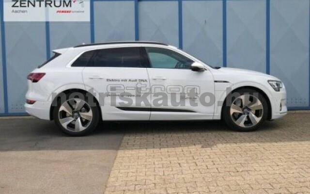 AUDI e-tron személygépkocsi - 2000cm3 Kizárólag elektromos 42580 4/7