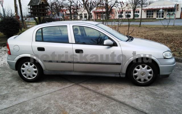 OPEL Astra 1.4 16V Club személygépkocsi - 1388cm3 Benzin 27701 3/12