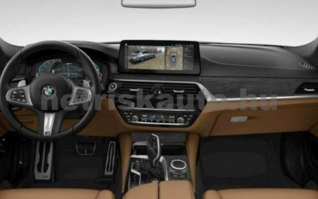 545 személygépkocsi - 2998cm3 Hybrid 105114 3/3
