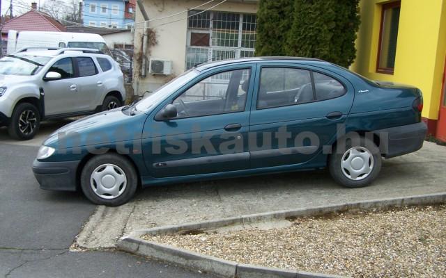 RENAULT Mégane 1.4 RN személygépkocsi - 1390cm3 Benzin 44623 2/10