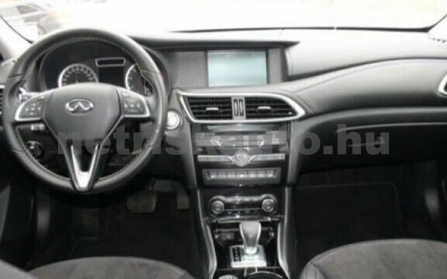 INFINITI Q30 személygépkocsi - 1595cm3 Benzin 110370 7/12