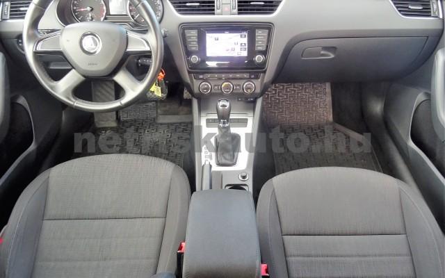 SKODA Octavia 1.6 CR TDI Elegance DSG személygépkocsi - 1598cm3 Diesel 18625 10/12