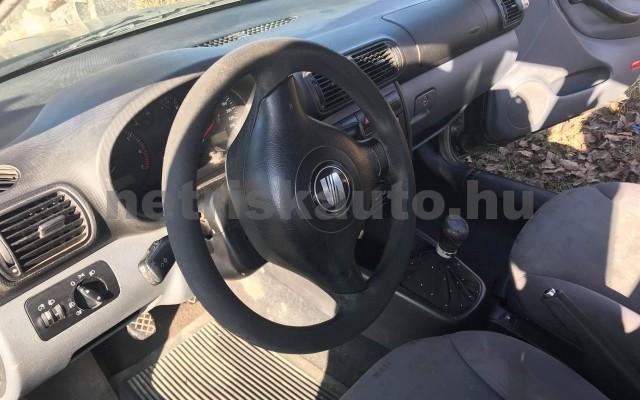 SEAT Leon 1.4 16V Stella személygépkocsi - 1390cm3 Benzin 21406 3/4
