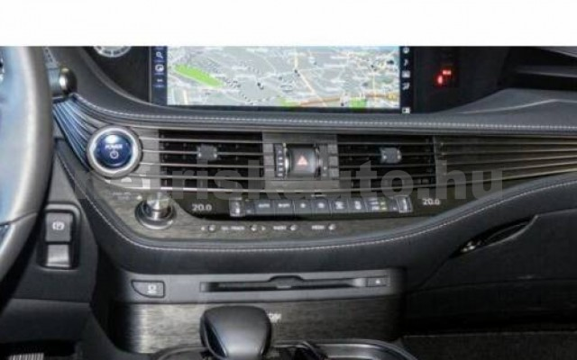LEXUS LS 500 személygépkocsi - 3456cm3 Hybrid 105617 7/10
