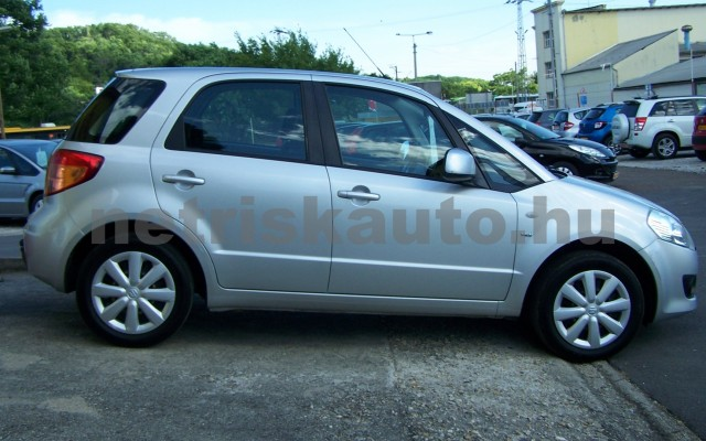 SUZUKI SX4 1.5 GLX AC személygépkocsi - 1490cm3 Benzin 98315 5/12