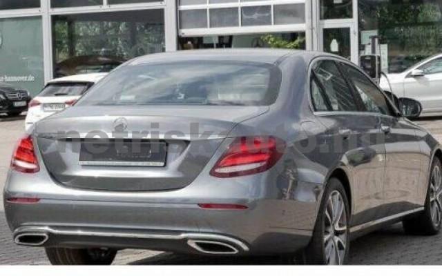 E 350 személygépkocsi - 2925cm3 Diesel 105856 2/8