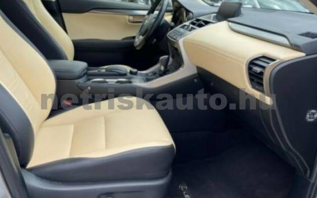 NX 300 személygépkocsi - 2494cm3 Hybrid 105677 9/12