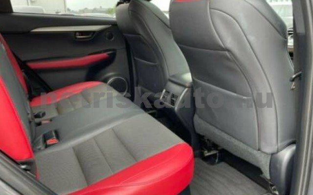NX 300 személygépkocsi - 2494cm3 Hybrid 105658 9/12
