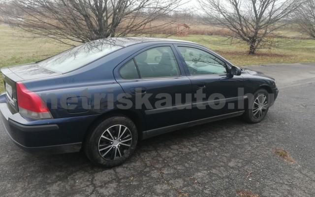 VOLVO S60 2.4 Aut. személygépkocsi - 2435cm3 Benzin 44743 2/5