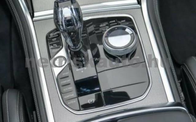 840 személygépkocsi - 2998cm3 Benzin 105196 9/10