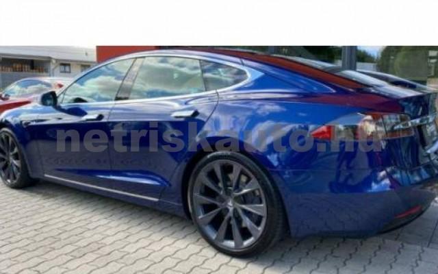 Model S személygépkocsi - cm3 Kizárólag elektromos 106210 2/11