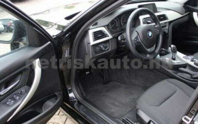 320 személygépkocsi - 1998cm3 Benzin 105052 5/11