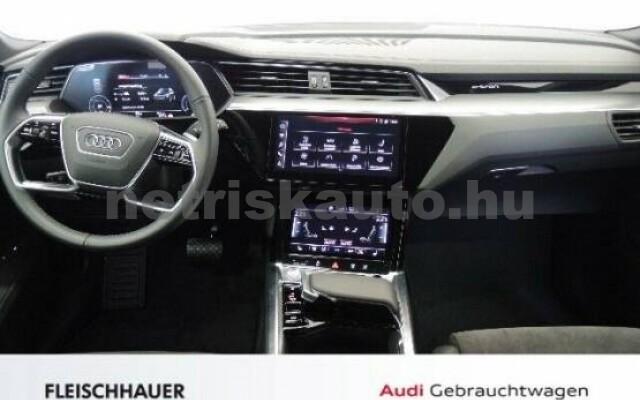 AUDI e-tron személygépkocsi - 2000cm3 Kizárólag elektromos 42572 7/7