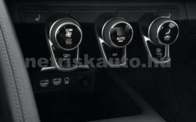 R8 személygépkocsi - 5204cm3 Benzin 104866 5/8