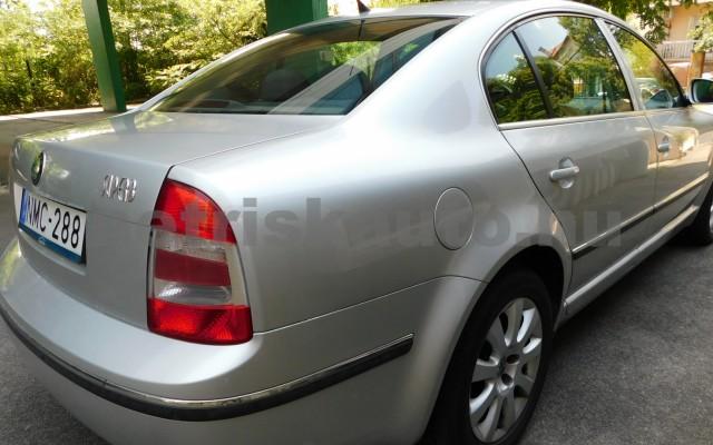 SKODA Superb 2.0 Comfort személygépkocsi - 1984cm3 Benzin 98277 2/12