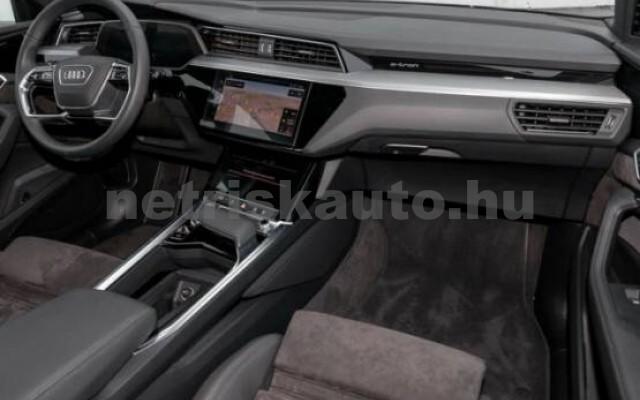AUDI e-tron személygépkocsi - 2000cm3 Kizárólag elektromos 42581 4/7