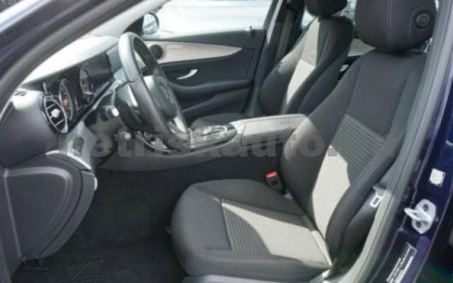 E 250 személygépkocsi - 1991cm3 Benzin 105835 7/11
