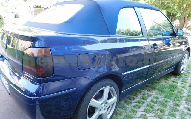 VW Golf 1.6 Highline személygépkocsi - 1595cm3 Benzin 101310 12/12
