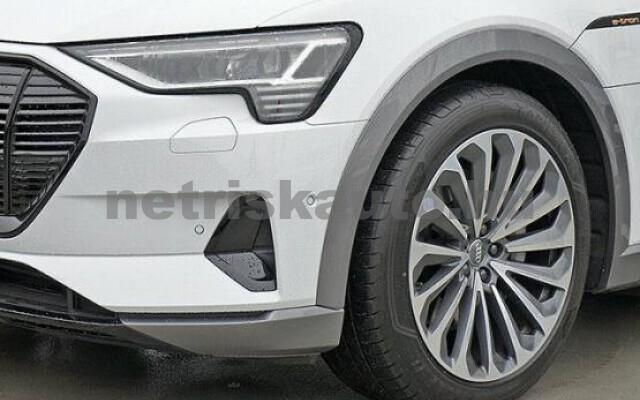 AUDI e-tron személygépkocsi - 2000cm3 Kizárólag elektromos 42579 4/7