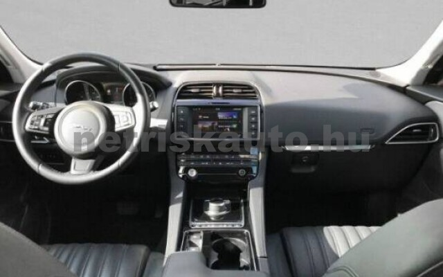 JAGUAR F-Pace személygépkocsi - 1999cm3 Diesel 43336 4/6