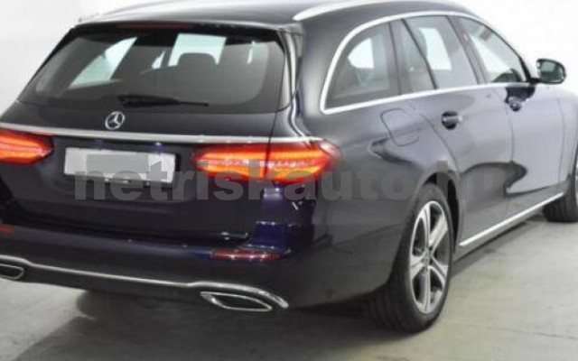 E 400 személygépkocsi - 2925cm3 Diesel 105869 3/12